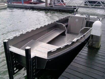 Boot Aluminium Steelfish by Bootdesign Eu