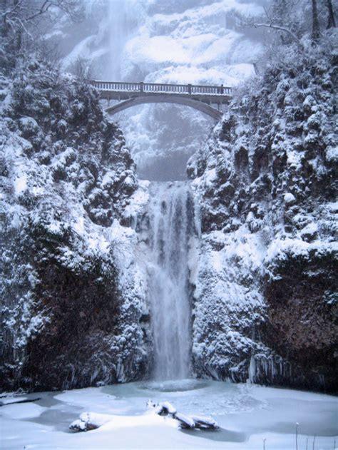 oregon winter multnomah falls waterfalls snow portland hikes frozen gorge waterfall river december fall snowy columbia nature hike bridge cascadas
