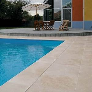 carrelage en travertin antiderapant pour terrasse plage With plage de piscine en carrelage