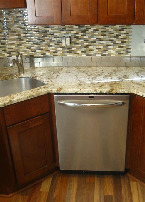 kitchen sinks with backsplash backsplash sink buybrinkhomes com
