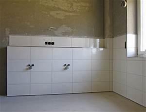 Wasserfeste Wandverkleidung Bad : putz f r badezimmer vom fachmann auftragen ~ Lizthompson.info Haus und Dekorationen