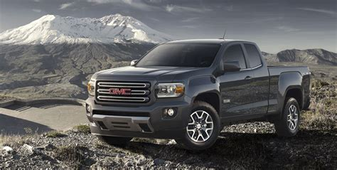 gmc canyon colorado based mid size pick  revealed