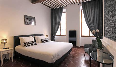 drome chambres d hotes chambre black and white à buis les baronnies en drôme