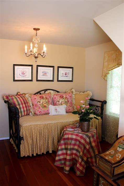 homeowner     romantic shabby chic