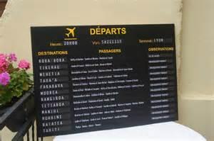 plan de table mariage a imprimer plan de table thème voyages tableau d 39 affichage aéroport idees et merveilles