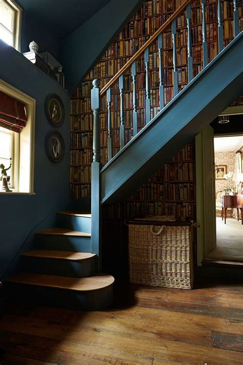 Treppenaufgang Tapezieren Ideen by Best 20 Staircase Painting Ideas On Stairs