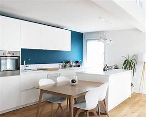 Cuisine scandinave avec une credence bleue photos et for Idee deco cuisine avec cuisine scandinave moderne