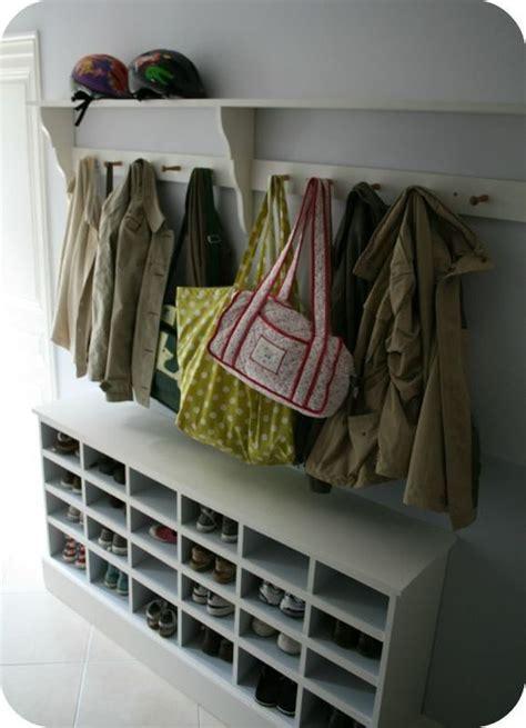 idee rangement sac a faire une entr 233 e ou on peut deposer nos manteaux sac chaussures id 233 ale pour 233 viter le