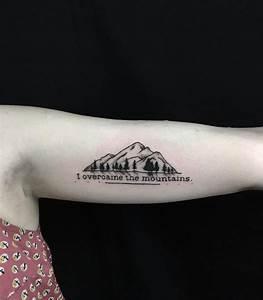 Tattoo Unterarm Schrift : tattoo schriften f r ein sch nes tattoo design tipps und coole ideen ~ Frokenaadalensverden.com Haus und Dekorationen
