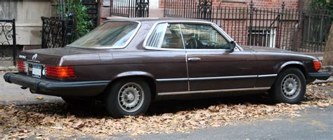 Understated and beautifully engineered the car was the choice of racing drivers, dictators and movie start. 1976 Mercedes-Benz 450SLC - Information and photos - MOMENTcar
