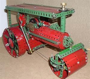Meccano Model Page 30 1948 Steam Roller