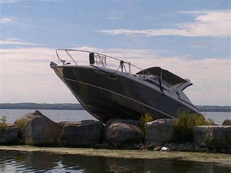 Boat Crash Winnipeg by Look For Driver Of Crashed Boat In Keswick Ctv