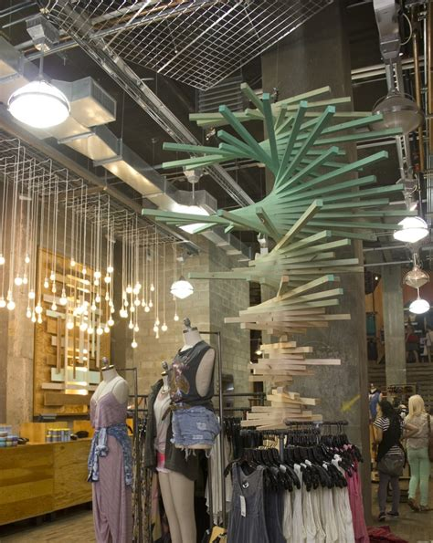 images  urban outfitters visual merchandising