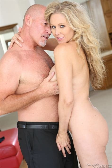 Gorgeous Milf Julia Ann Enjoying Hot Sex With Her Lover My Pornstar Book