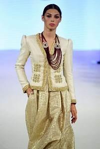 Robe Algérienne 2016 : rym menaifi for manouba couture automne hiver 2016 paris haute couture kaftan pinterest ~ Maxctalentgroup.com Avis de Voitures