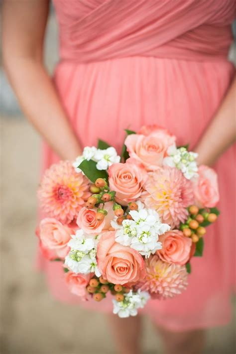 coral wedding ideascoral wedding dresses