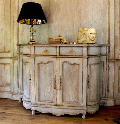 credenze provenzali antiche realizzazione e recupero mobili in stile provenzale