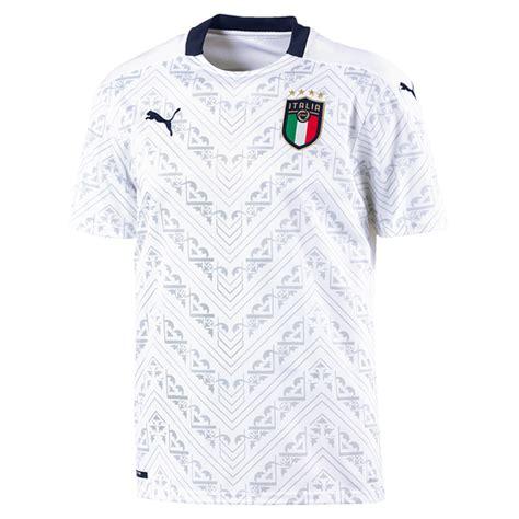 Die europameisterschaft 2021 wird dieses mal gleich von drei sendern übertragen. Puma Italien Trikot Auswärts EM 2021 - kaufen & bestellen ...