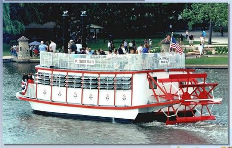 Paddle Boats Geneva Il by Paddlewheel Cruise St Charles Il The River Is
