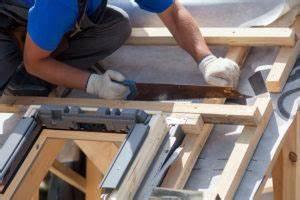 Kosten Einbau Dachfenster : dachfenster erneuern wieviel kostet der dachfenster einbau ~ Frokenaadalensverden.com Haus und Dekorationen