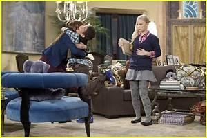 Sierra McCormick Guest Stars on 'Jessie'   Photo 448217 ...