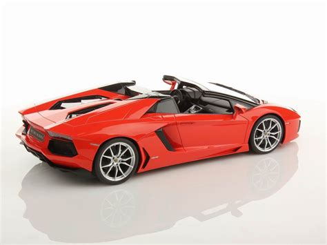 lamborghini aventador 1 of 1 roadster lamborghini aventador lp700 4 roadster 1 18 mr collection models