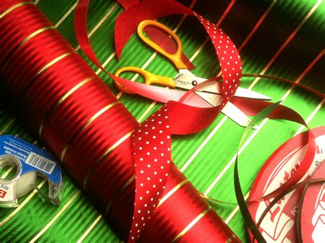 christmas wrap christmas wallpaper 509555 fanpop
