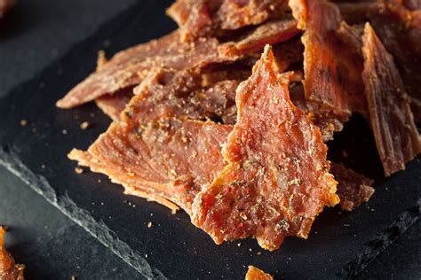 Instead of a marinade or a dry rub the spice mixture is mixed in with the ground beef, making this jerky slightly different form its more expensive brothers. Ground Beef (or Turkey) Jerky Recipe