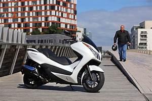 Maxi Scooter Occasion : essai du maxi scooter honda nss300 forza photo 20 l 39 argus ~ Medecine-chirurgie-esthetiques.com Avis de Voitures