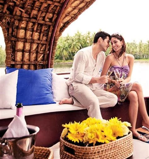 Kerala Boat House For Couples by Kerala Boathouse Honeymoon Package Alleppey Houseboat Club