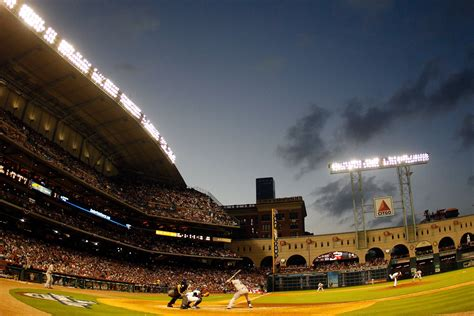 directions  parking  houstons minute maid park