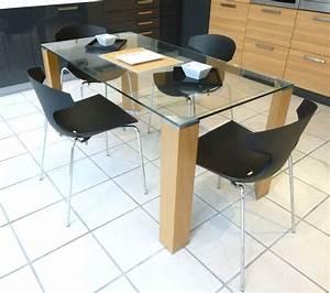 Plateau De Table En Verre : table a plateau de verre et 4 pieds en bois chene clair ~ Teatrodelosmanantiales.com Idées de Décoration