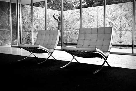 mies der rohe barcelona chair mikeshouts