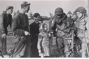 US Army 82nd paratroopers being well received by dutch ...