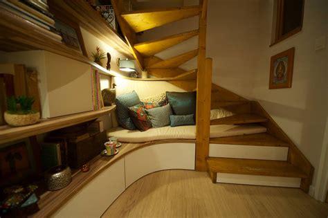sous bureau original comment mieux optimiser l 39 espace sous l 39 escalier