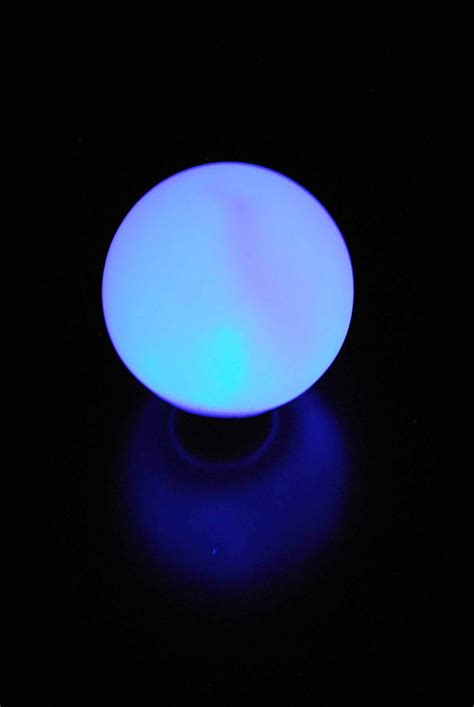 led small glowing orbs   stakes