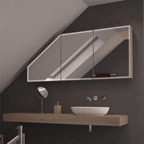 Badezimmer Spiegelschrank Dachschräge by Die Besten 25 Bad Mit Dachschr 228 Ge Ideen Auf