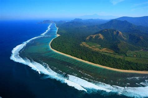 history  lombok island facts  indonesia