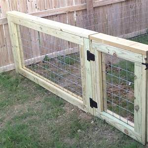 Cattle panel fence perfect dog run gate every home for Outside dog fence ideas