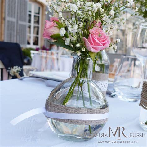 decoration florale avec ruban satin mini vase en verre bouteille 224 la mer accessoiris 233 de et ruban de satin avec roses et