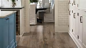 pergo flooring southern grey oak how to choose hardwood or laminate flooring types pergo 174 flooring