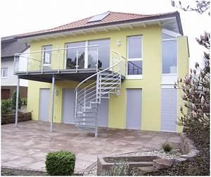 balkon mit treppe in den garten hauptdesign With französischer balkon mit stützmauer garten kosten