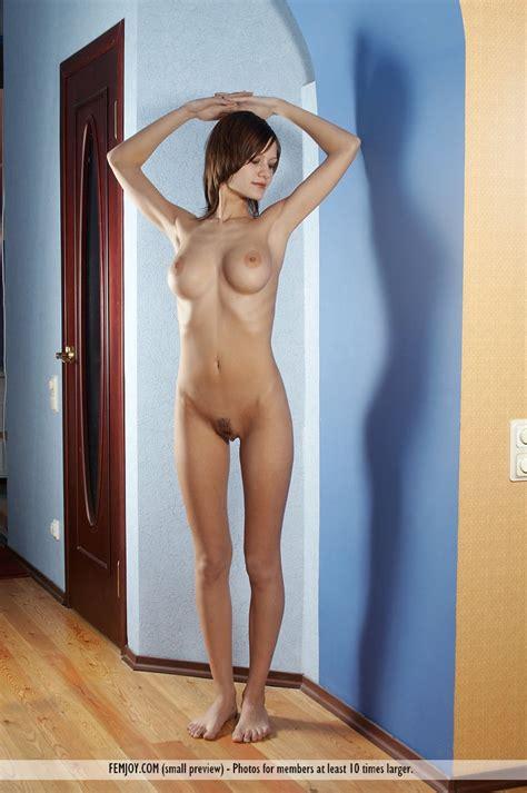 Euro Babes Db » Austrian girl sexy body