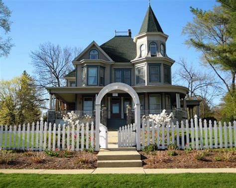21 Famous Homes From Movies You Can Visit  Cheapismcom