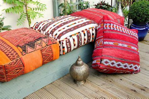 gros coussin pour canape salon de jardin plein d 39 idées pour faire le bon choix