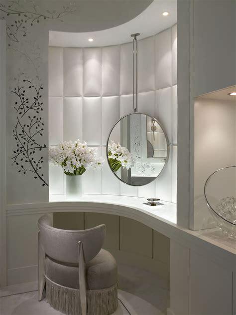 chambre luxueuse chambre avec salle de bain et toilette