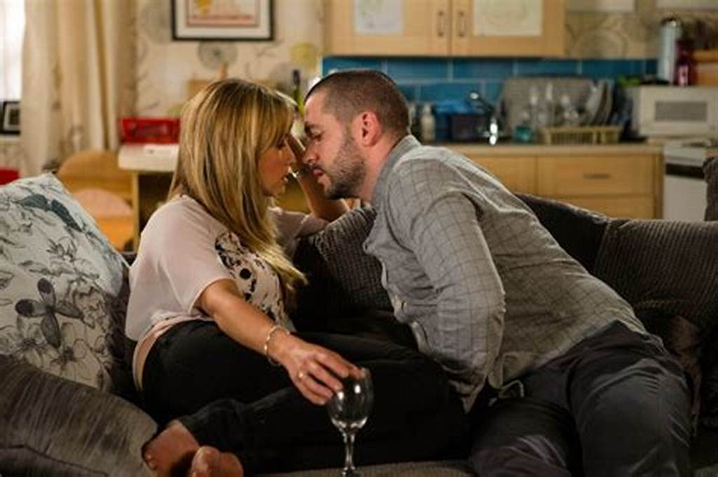 #Coronation #Street #Spoilers #Full #Affair #For #Aidan #And #Maria