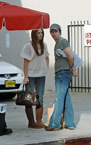 Mandy Moore and Zach Braff Photos Photos - Mandy Moore and ...