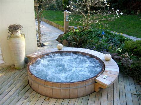 Hot Tub : Wooden Hot Tub Installation Uk