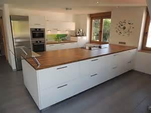 küche glasrückwand kochinsel mit bora professional glas rückwand mit individuellem dekor küche familie s